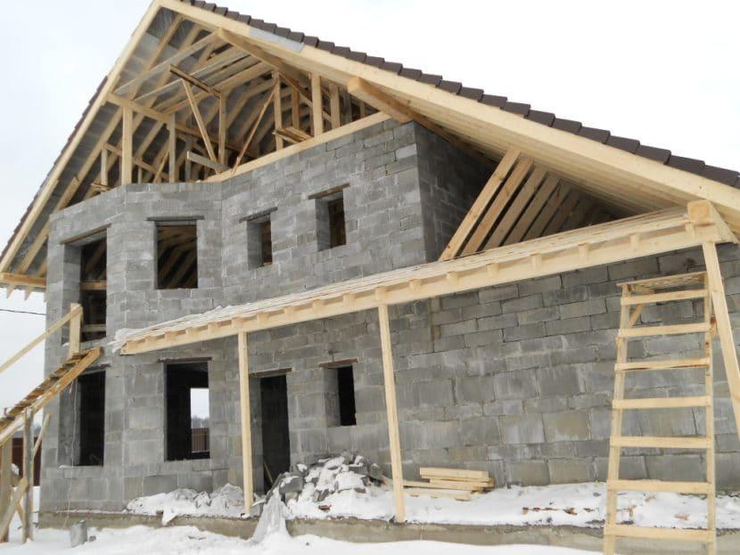 Преимущества и недостатки домов из шлакоблока