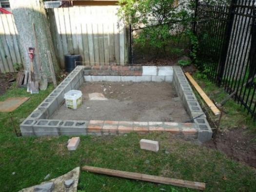 Как сделать фундамент под сарай из блоков