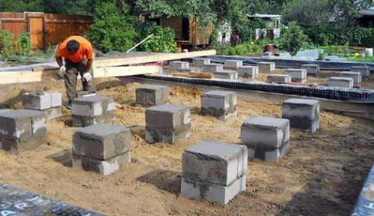 Опорно-столбчатый фундамент из бетонных блоков