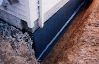 Чем покрыть фундамент дома снаружи от влаги? — ЮГ-ЖБК