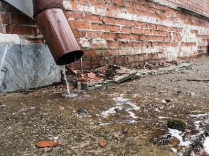 Для чего нужно ливневое водоотведение с крыш