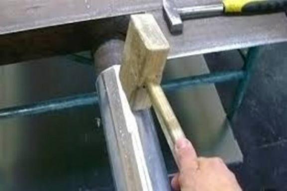 Водосток своими руками из различных материалов