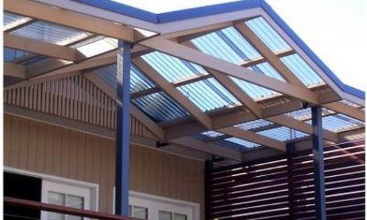 Прозрачный поликарбонат для возведения крыши