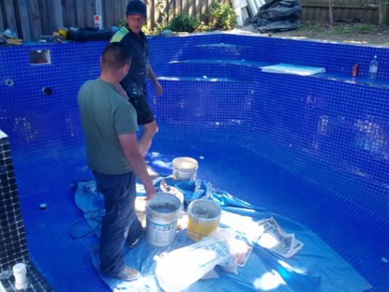 Основные задачи, которые решает гидроизоляция бассейна: