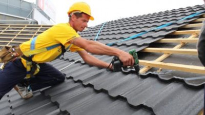 Покрытие крыши металлочерепицей своими руками — пошаговая инструкция!