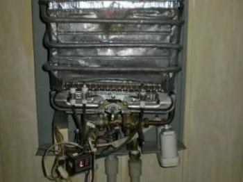 Как зажечь газовую колонку Бош?