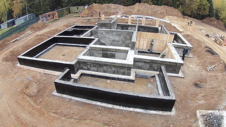Какую марку бетона лучше выбрать для заливки фундамента?