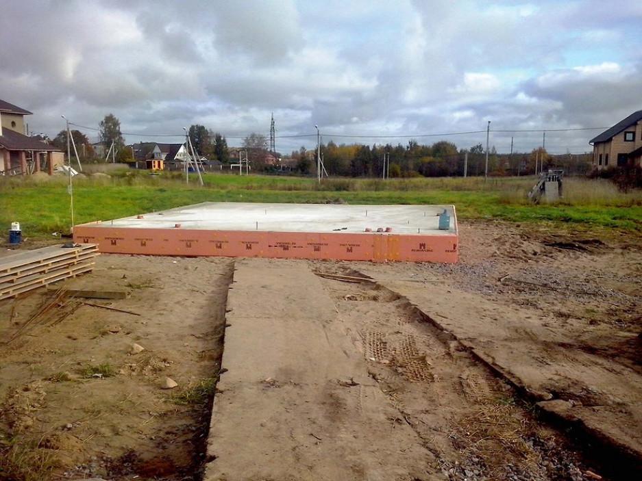 Особенности строительства из железобетонных плит