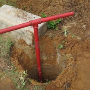 Устанавливаем свайный фундамент из асбестовых труб