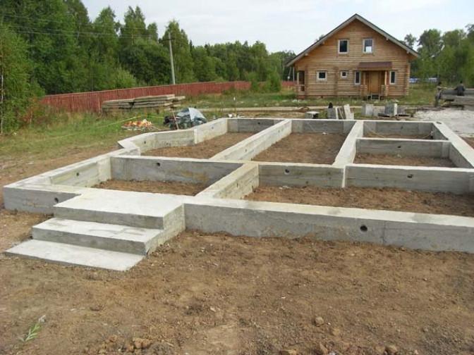 Строительство комбинированного ленточно-столбчатого фундамента