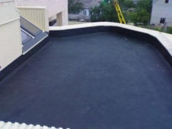 Жидкая резина для водонепроницаемости плоской крыши