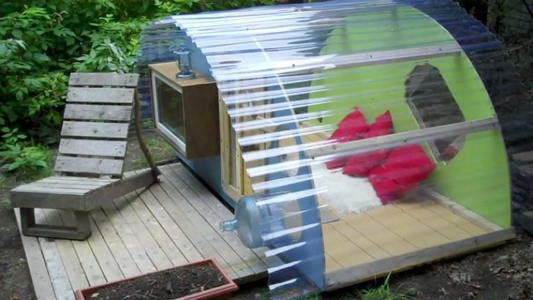 Беседка из поликарбоната, предназначенная для детского отдыха