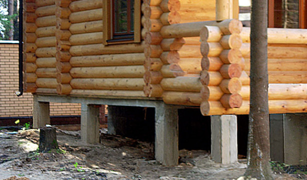 Фундамент под деревянный дом: разновидности