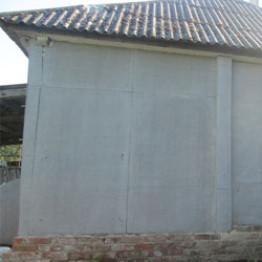 Чем крепить плоский шифер к деревянной стене?
