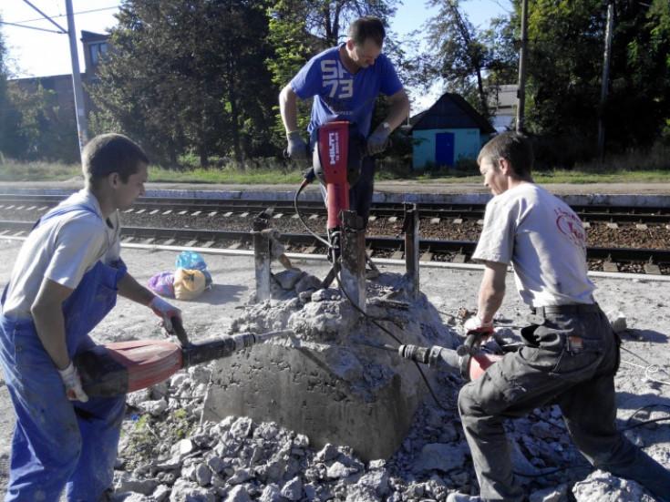 Когда выгодно демонтировать фундамент самостоятельно