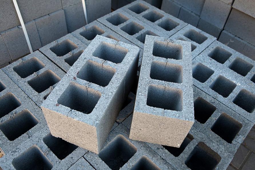Разновидности бетонных блоков под фундамент по типу материала