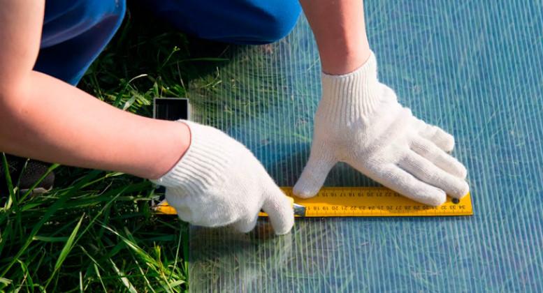 Раскрой сотового поликарбоната на теплицу: чем резать материал
