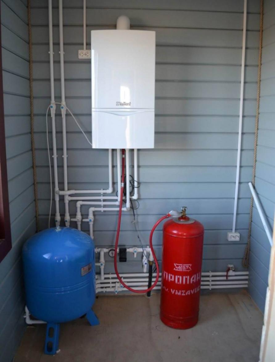 Отапливаем загородный дом природным газом