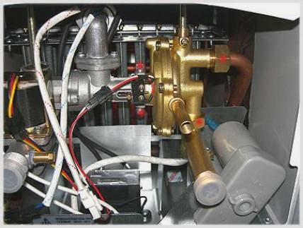 Замена мембранной ткани в колонке работающей на газу нева