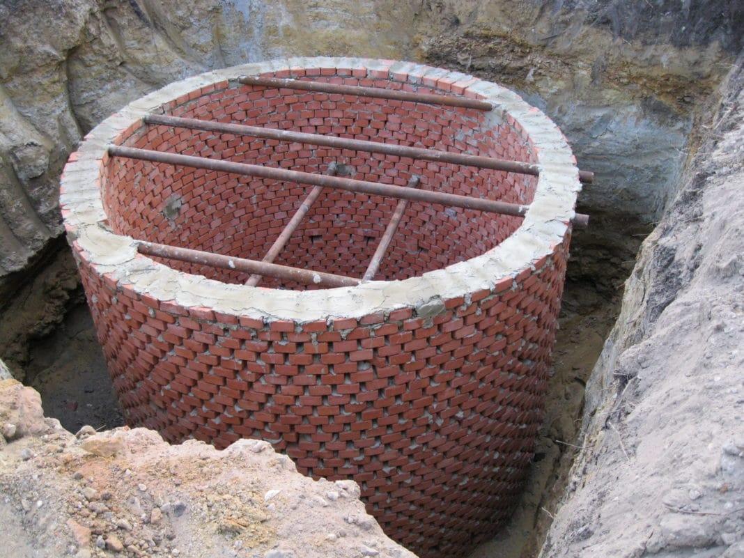 Как сделать выгребную яму? 75